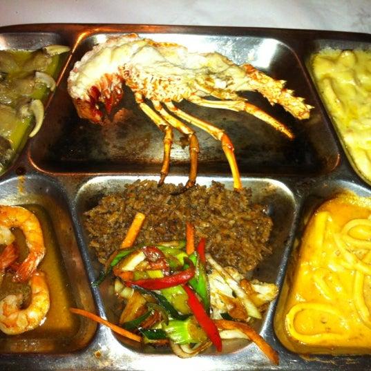 Foto tomada en Donde Olano Restaurante por Luis miguel H. el 10/10/2012