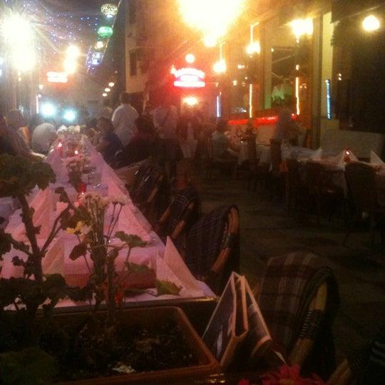 9/28/2012 tarihinde 🍃💐🌺Ilknur🌺💐🍃ziyaretçi tarafından Cozy Bar&Restaurant'de çekilen fotoğraf