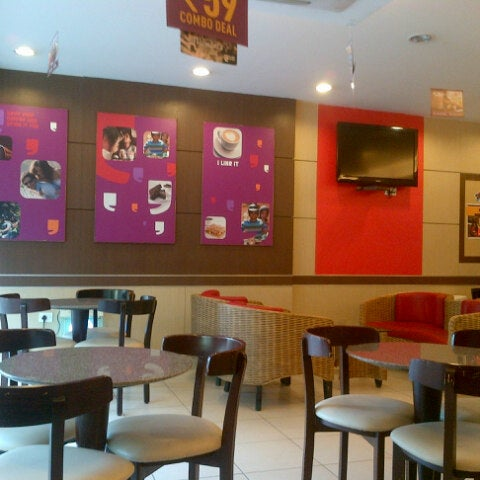 Photo Taken At Cafe Coffee Day By Adnan K On 9 27 2012