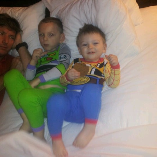 Photo taken at Clarion Inn & Suites At International Drive by Stephanie C. on 12/8/2012