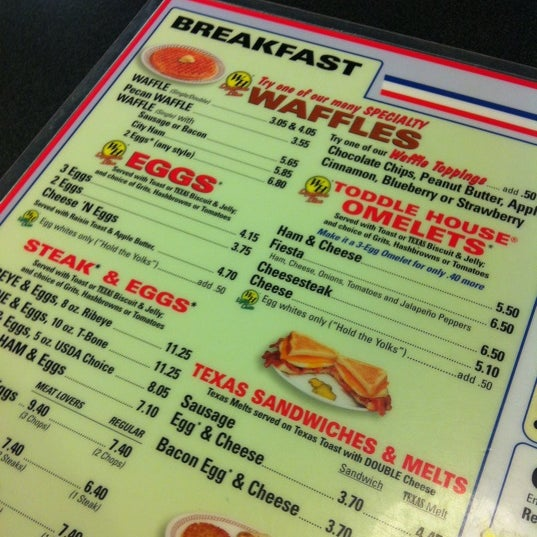 Photo taken at Waffle House by Shannie C. on 12/15/2012