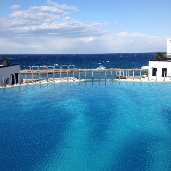 1/7/2015 tarihinde Ahmet A.ziyaretçi tarafından Cratos Premium Hotel & Casino'de çekilen fotoğraf