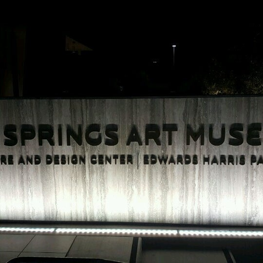 Photo taken at Palm Springs Art Museum by Joseph R  🇺🇸 ☮️ 🇨🇺 R. on 11/6/2016