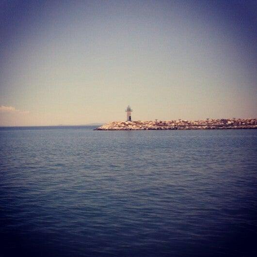 6/9/2013 tarihinde 💃🏻 .ziyaretçi tarafından Küçükkuyu Limanı'de çekilen fotoğraf
