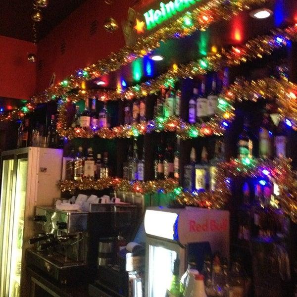 Снимок сделан в Papa's Bar & Grill пользователем None_d 12/22/2012