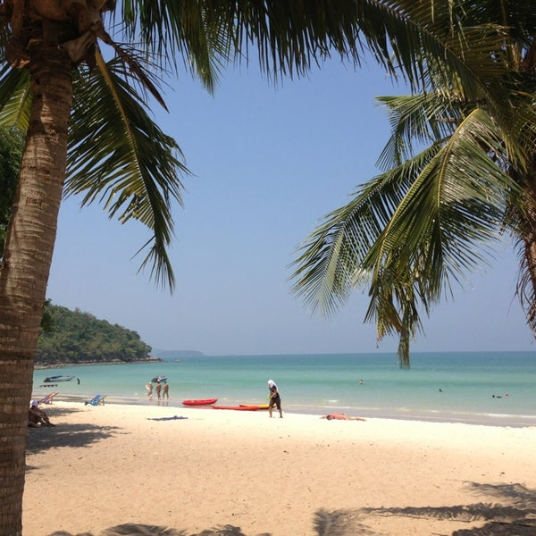Photo taken at Sai Keaw Beach by Olena Y. on 3/26/2013