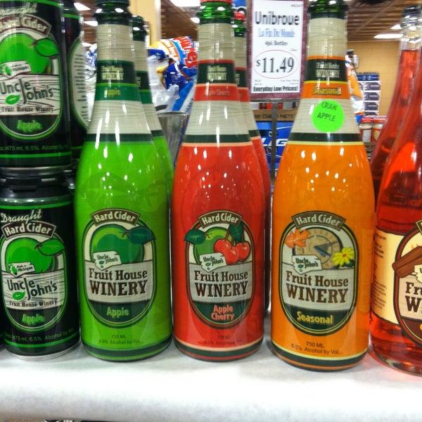 รูปภาพถ่ายที่ Binny's Beverage Depot โดย Kelly K. เมื่อ 4/19/2013