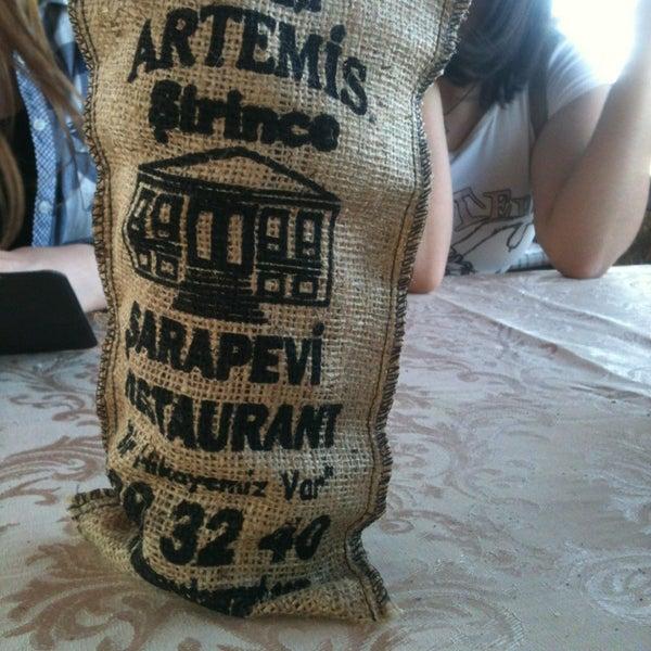 4/27/2013 tarihinde Gülşah Ö.ziyaretçi tarafından Şirince Artemis Şarap ve Yöresel Tadlar Evi'de çekilen fotoğraf