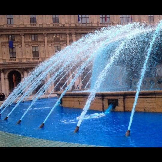 Foto scattata a Piazza de Ferrari da Irene V. il 4/6/2013