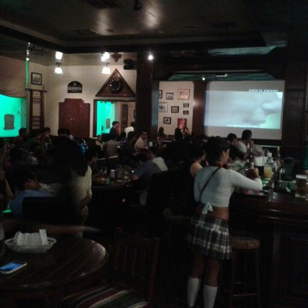 Photo taken at Dublin's Irish Pub by Mundocun.com on 4/21/2013