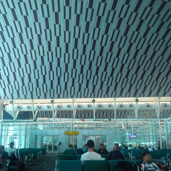Photo taken at Sultan Hasanuddin International Airport (UPG) by Dimas S. on 6/23/2013