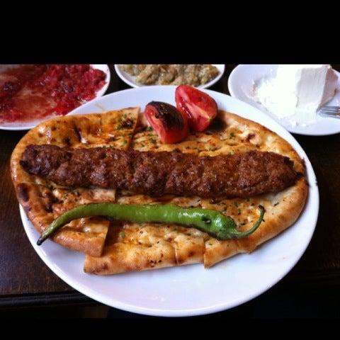 10/2/2012 tarihinde Metin S.ziyaretçi tarafından Adanalı Yusuf Usta'de çekilen fotoğraf