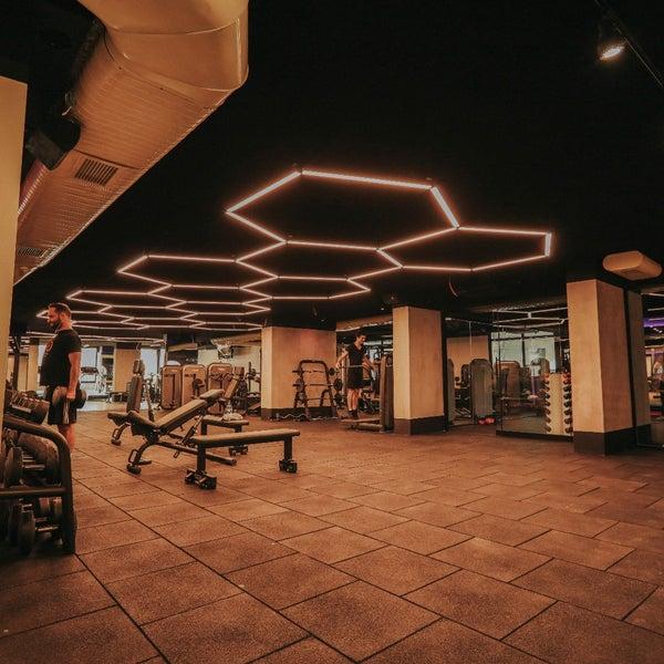 Das Foto wurde bei Plus Fitness Club von Plus Fitness Club am 3/9/2018 aufgenommen