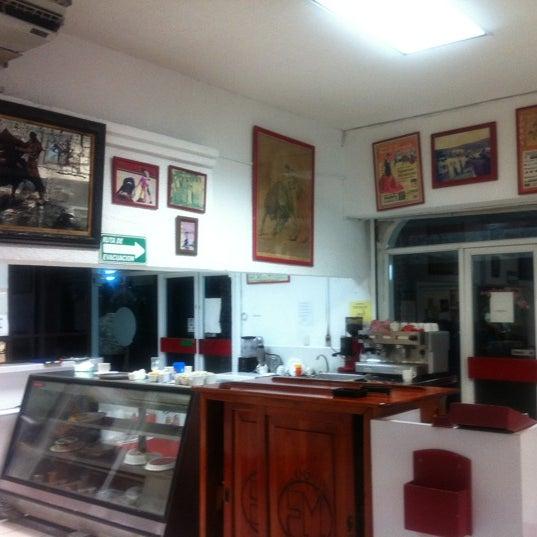 Foto tomada en Restaurante El Matador por Alvaro el 11/16/2012