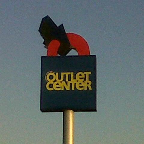 10/13/2012 tarihinde Tuba Y.ziyaretçi tarafından Outlet Center'de çekilen fotoğraf