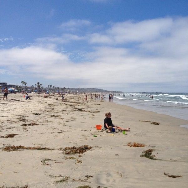 Foto tirada no(a) Mission Beach Park por Yvan C. em 7/22/2014