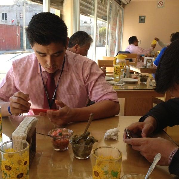 Cocina los girasoles restaurante mexicano for Los azulejos restaurante mexicano