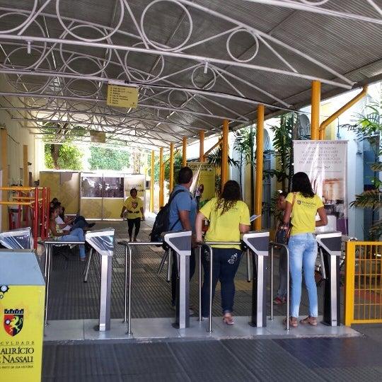 Foto diambil di UNINASSAU - Centro Universitário Maurício de Nassau oleh Demetrius M. pada 2/17/2014