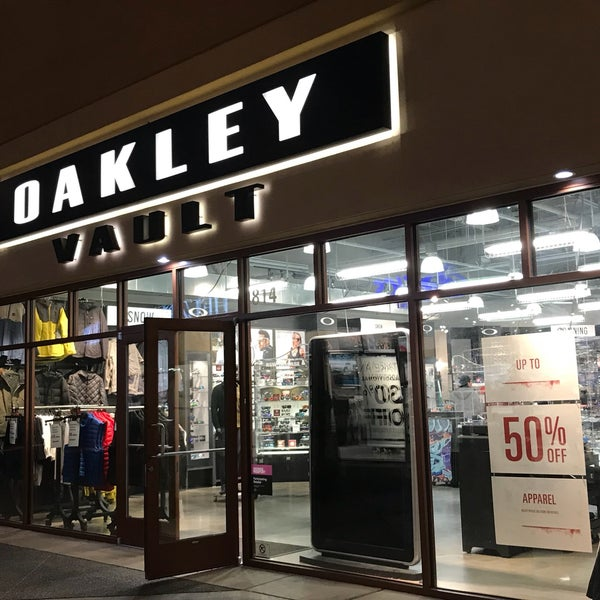 oakley outlet woodburn oregon
