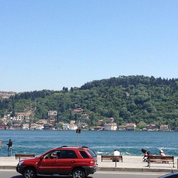5/16/2013 tarihinde Ergun E.ziyaretçi tarafından Akıntı Burnu Restaurant'de çekilen fotoğraf