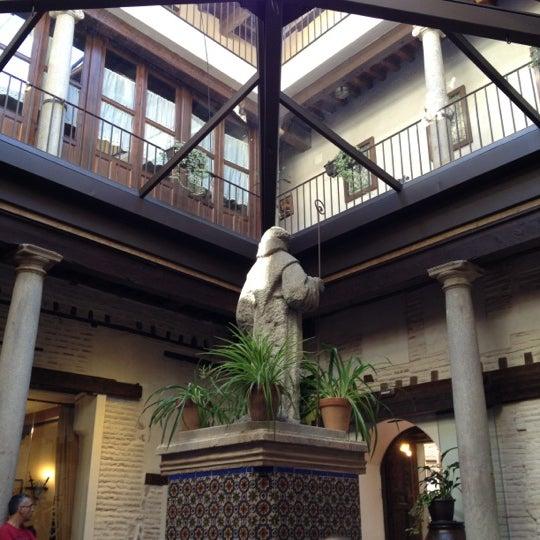 Foto tomada en Restaurante Placido por Mi J. el 10/13/2012