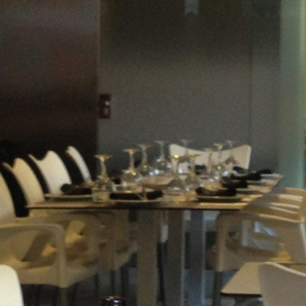 Das Foto wurde bei Restaurante Rústico von Raquel M. am 3/10/2013 aufgenommen