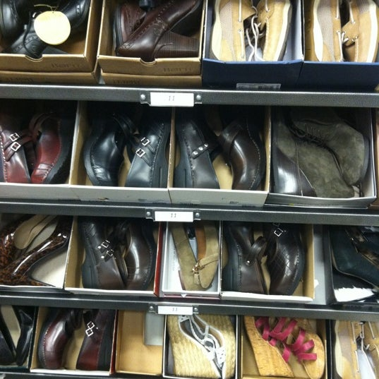 Photo taken at Nordstrom Rack by Suzanne B. on 9/27/2012