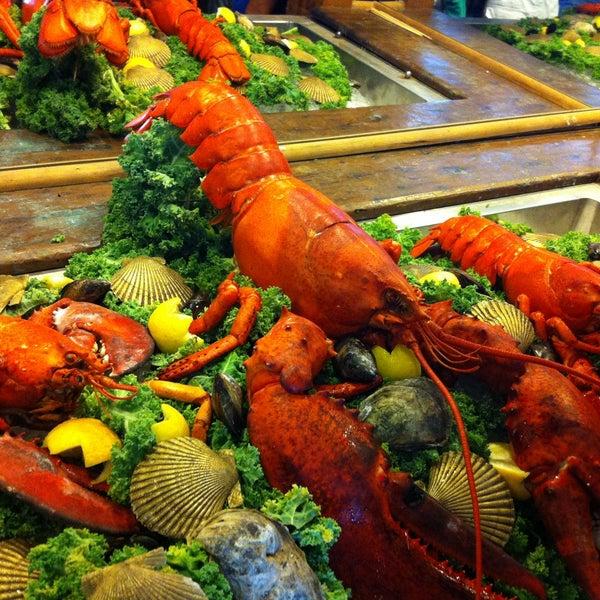Photo taken at Weirs Beach Lobster Pound by Alaa آلاء on 7/6/2013
