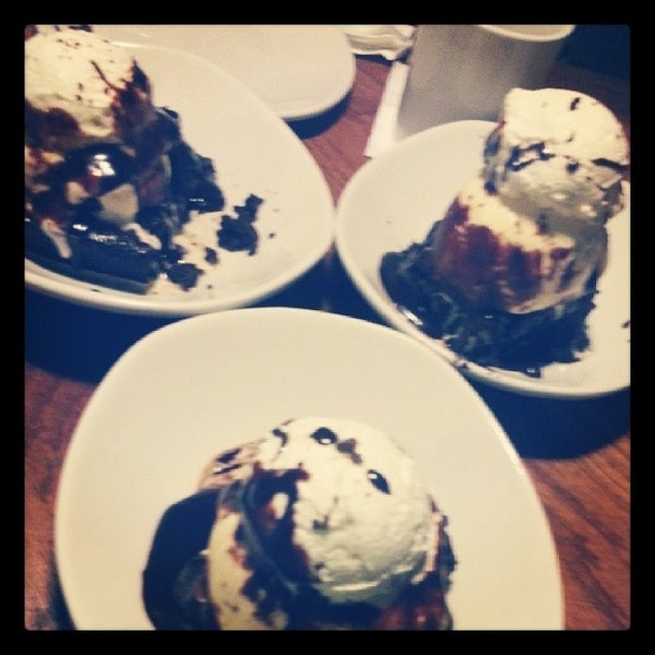 Photo taken at Outback Steakhouse by Crys T. on 10/5/2013