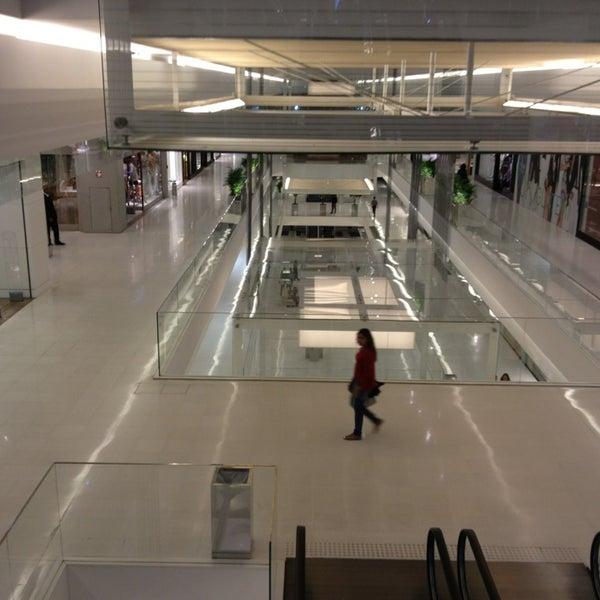 Photo taken at Shopping JK Iguatemi by Filipe E. on 3/21/2013