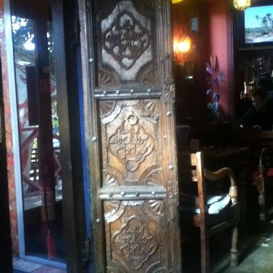 Снимок сделан в Кофейня «Кардамон» и лавка «Коллекция Пустяков» пользователем M 10/17/2012