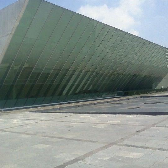 Foto tomada en MUAC (Museo Universitario de Arte Contemporáneo). por Cesar J. el 10/13/2012