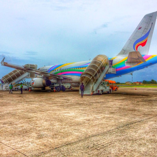 Photo taken at Bangkok Airways PG 712 by AuXam Z. on 12/25/2013