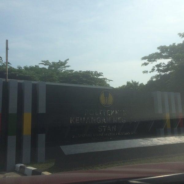 Photo taken at Sekolah Tinggi Akuntansi Negara (STAN) by Martha Widdi N. on 9/10/2016