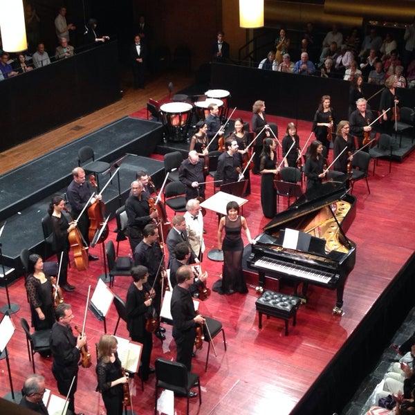 8/10/2014にAngela K.がLincoln Center for the Performing Artsで撮った写真