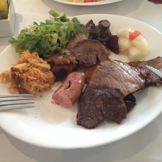 Foto tirada no(a) Paulinho's Grill por Andy F. em 11/29/2012
