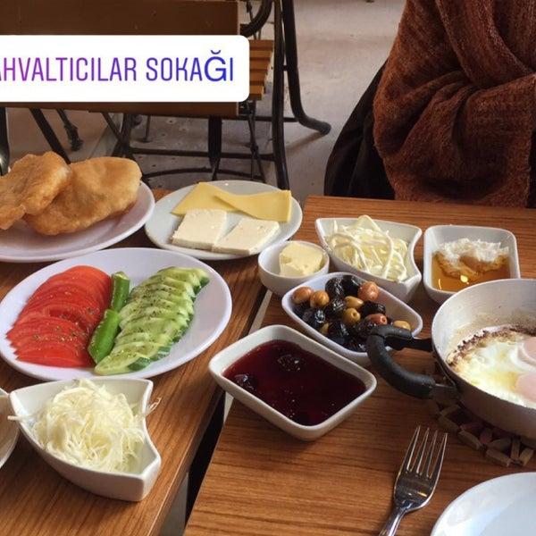 12/24/2017 tarihinde Denis H.ziyaretçi tarafından Fiskos Kahvaltı Cafe'de çekilen fotoğraf