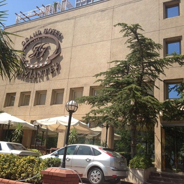 Das Foto wurde bei Grand Hotel Gaziantep von BERKAY Ü. am 7/15/2013 aufgenommen