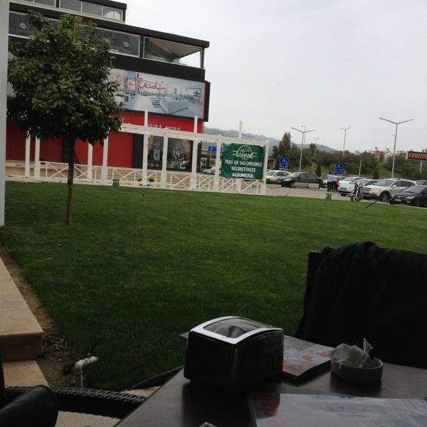 4/6/2013 tarihinde Kerem U.ziyaretçi tarafından Kahve Bahane'de çekilen fotoğraf