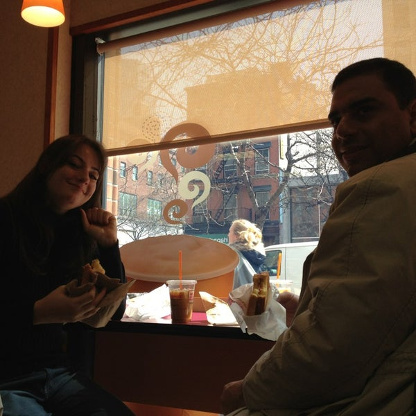 Photo taken at Dunkin Donuts by Márcia B. on 3/25/2014
