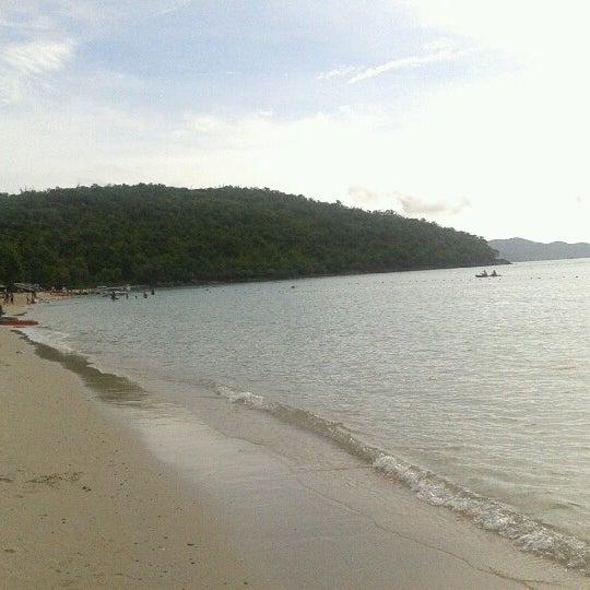 Photo taken at Sai Keaw Beach by Banjovy B. on 9/22/2012