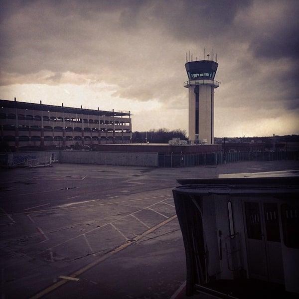 Foto tomada en Burlington International Airport (BTV) por Eric O. el 12/5/2012