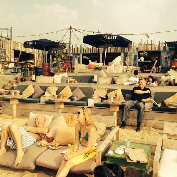 Beachclub indigo 5 tips from 239 visitors for Beste strandtent scheveningen
