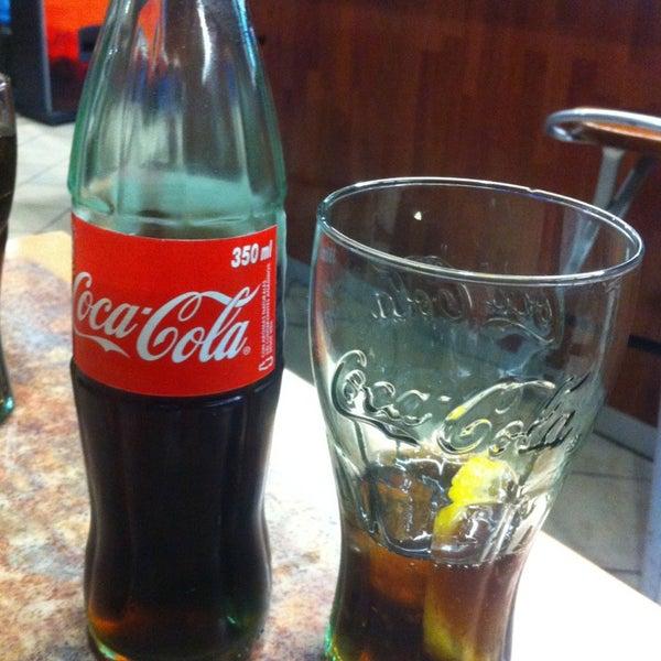 Para los amantes de Coca-Cola, pídete la botella de 350ml.