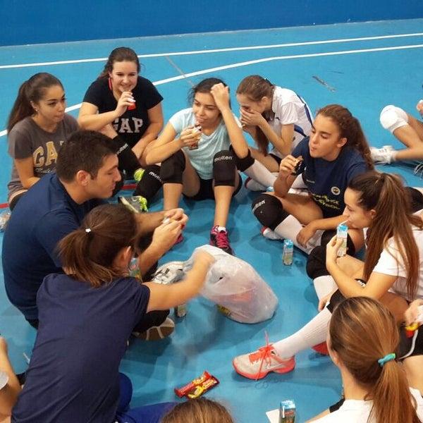 10/12/2014 tarihinde Turan A.ziyaretçi tarafından Fenerbahce Spor Okulları'de çekilen fotoğraf