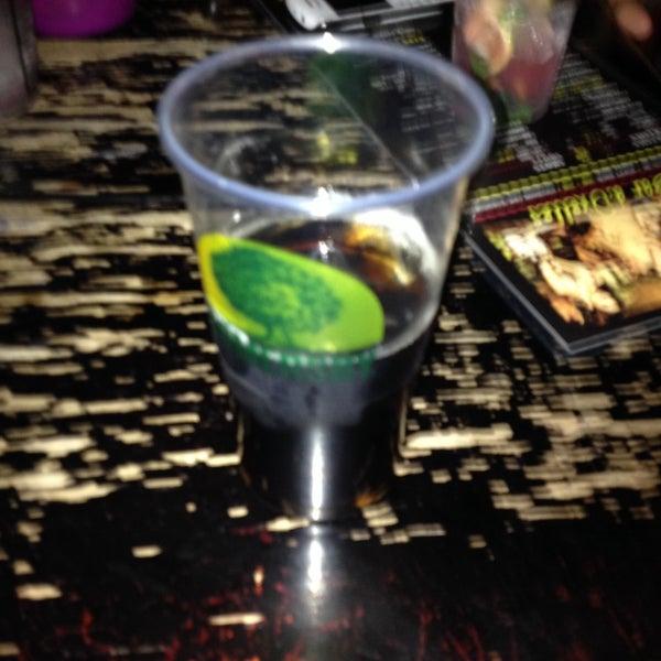 Un Jack coca dans un goblet en plastique alors que j'avais demandé un vrai verre... Incompréhensible, aucun respect du vrai client...