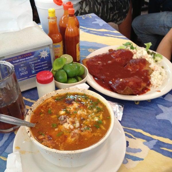Los mejores mariscos!!! Sopita gratinada de mariscos y filete empanizado a la diabla!! Excelente servicio y buen precio!!