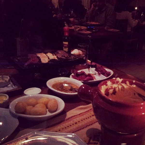 Foto tirada no(a) Restaurante Mont Vert por Heliana N. em 7/7/2013
