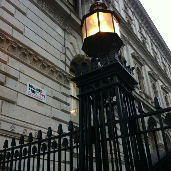 Photo taken at 10 Downing Street by Rogério M. on 3/7/2013