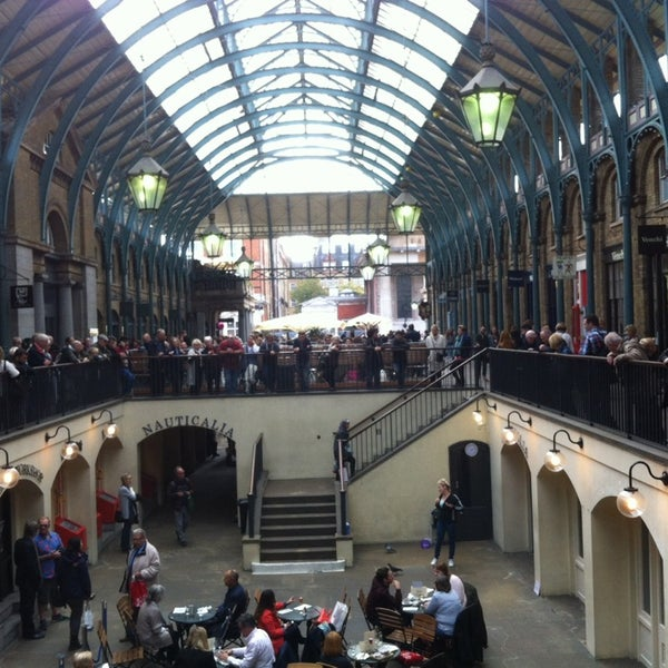 Photo taken at Covent Garden Market by Spain on 10/10/2014